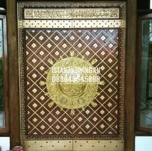 replika pintu masjid kuningan nabawi