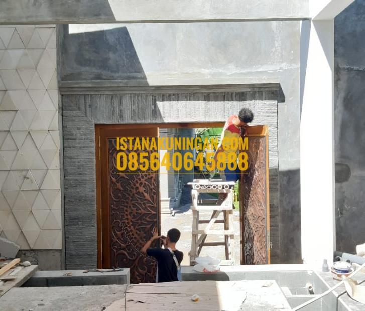 pintu tembaga kuningan